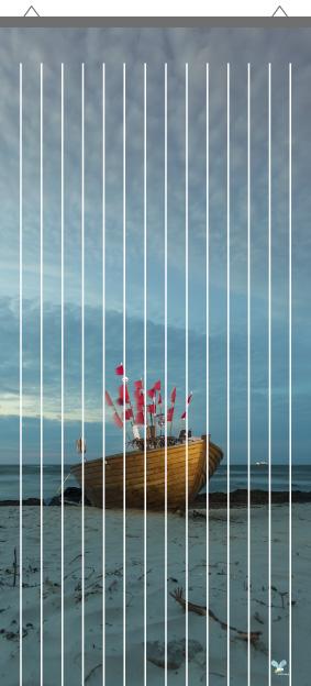 Rideau à mouche imprimé barques par mon-rideau-a-mouche.com en PVC imprimé haute qualité avec support de fixation en alu.